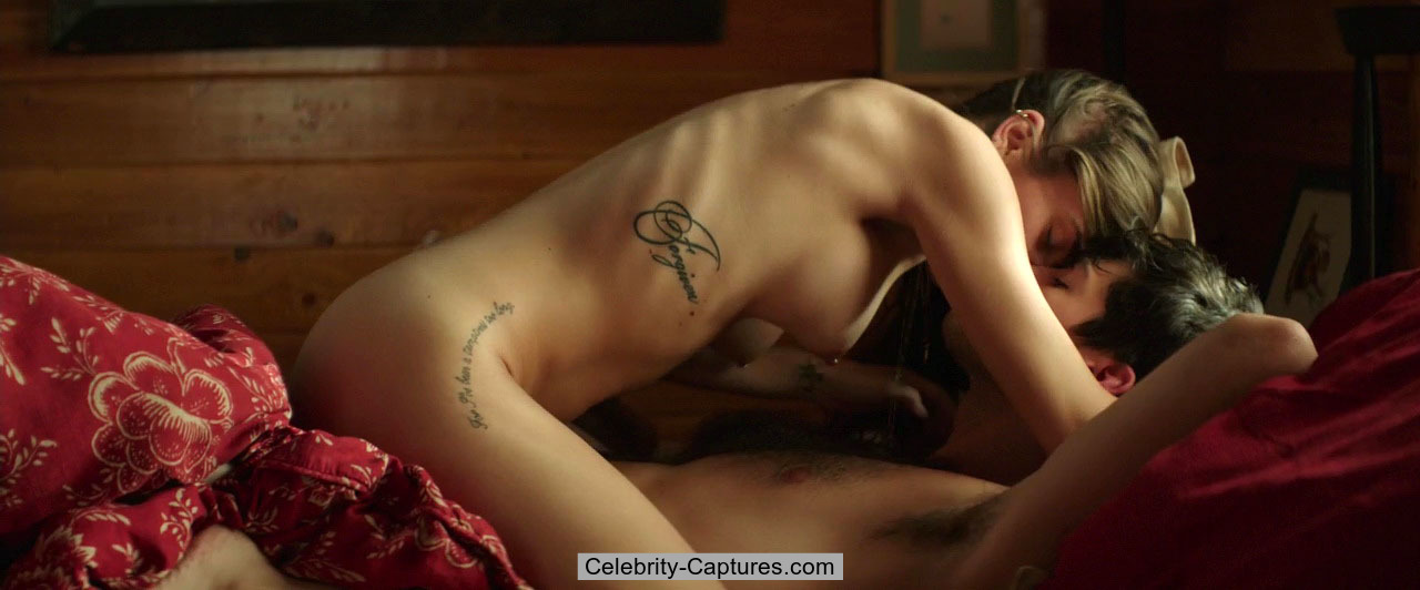 Nadine Crocker naked in sex vidcaps from Cabin Fever